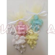 Ангелче с хармоника-ароматни сапуни-подаръци за гости на кръщене