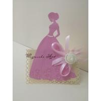 Прекрасна и стилна покана с текстилно цвете