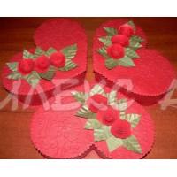 Червена кутия сърце с прелестни рози