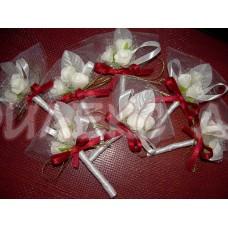 Красиви сватбени бутониери