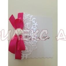 Сватбена покана в бяла перла и циклама